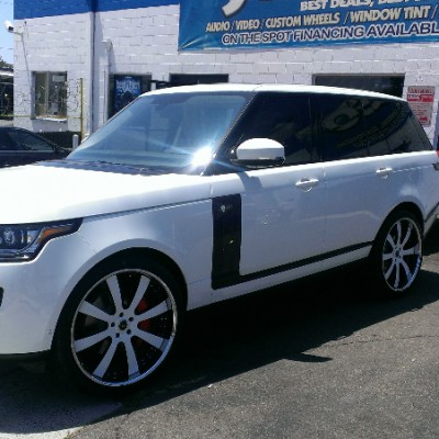 Range Rover White Wheels