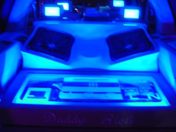 Car Stereo Repair >> Daddy Rich Lincoln Navigator with Kicker Subs | Joe's Stereo