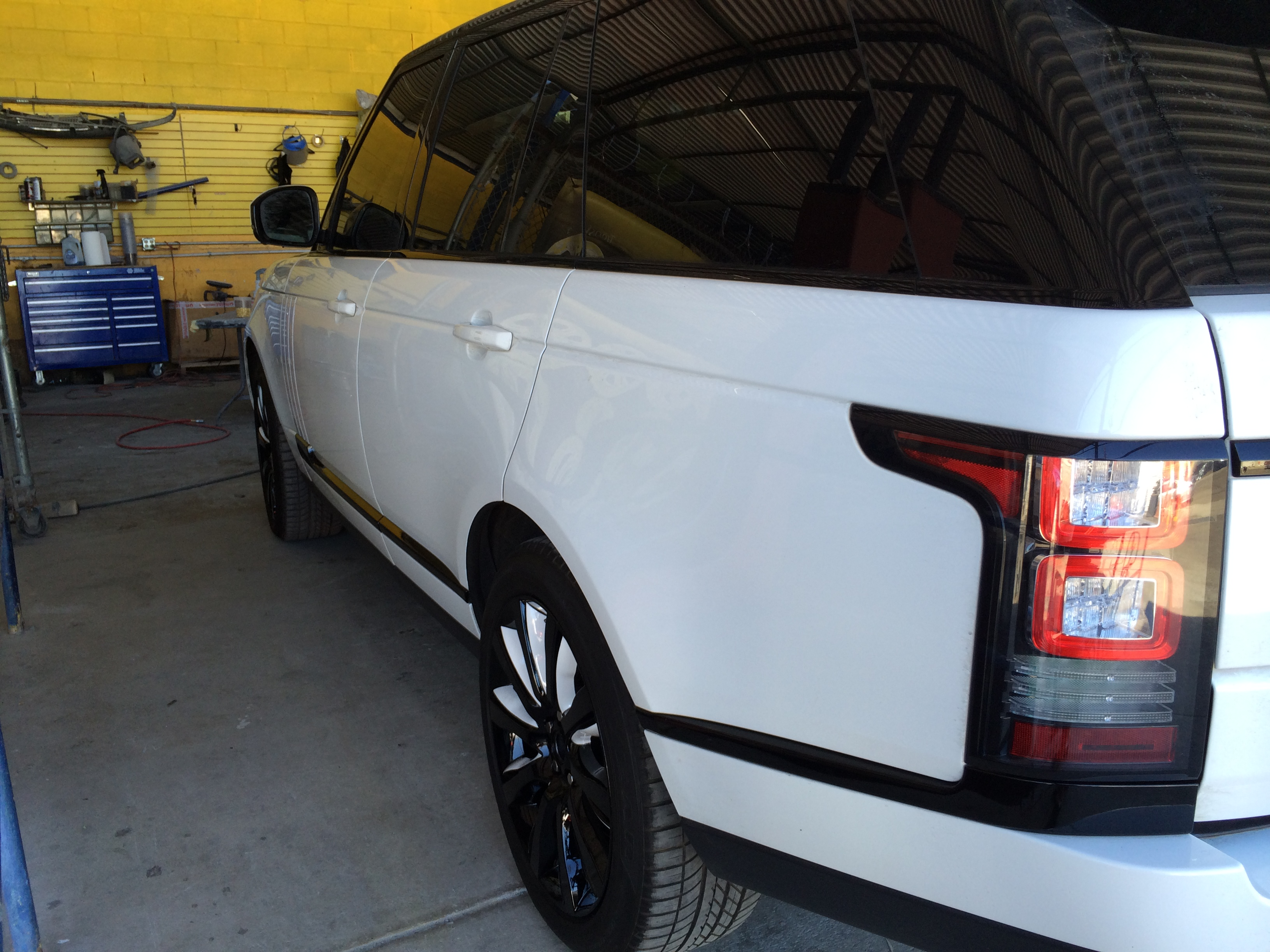 range rover custom painted headlights tailights and wheels